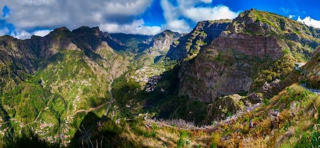 Geweldig panorama van de curral das freiras