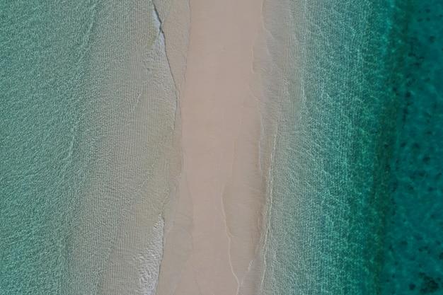 Geweldig uitzicht met vogelogen in zanzibar. zee landschap