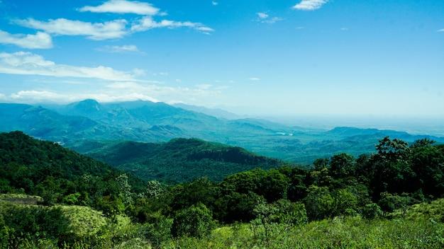 Geweldig uitzicht op de indiase berg