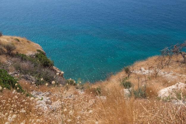 Geweldig zeegezicht van horizonlijn. griekenland. luchtfoto horizontale kleurenfotografie