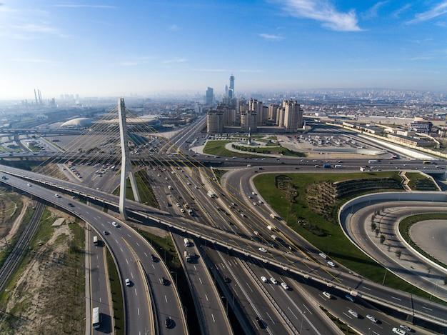 Geweldige moderne infrastructuur voor megapolis