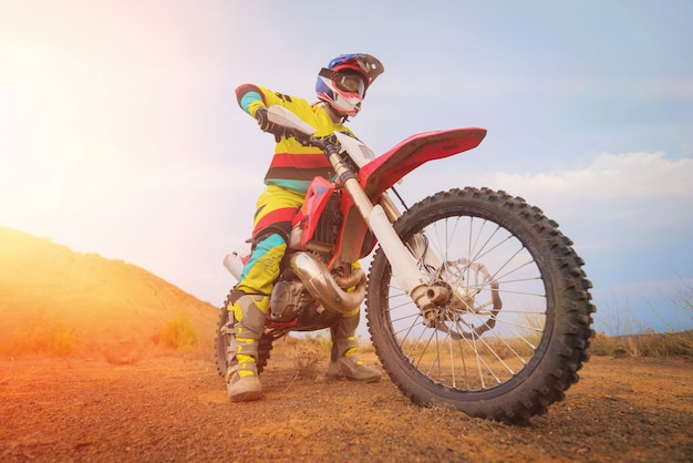 Geweldige motorcross rijder