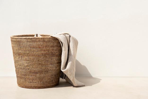 Geweven wasmand was essentieel in minimalistische stijl