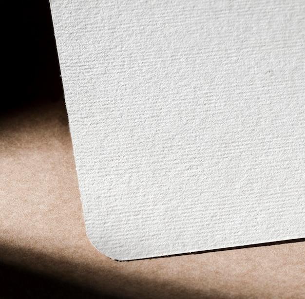 Geweven witte kartonnen close-up