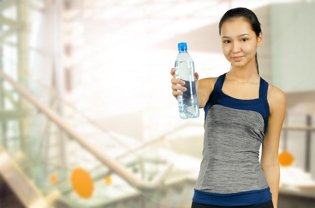 Gewichtsverlies. gezonde levensstijl. sportief gezond vrouwtje.