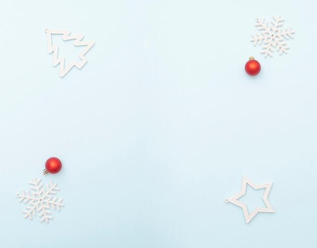 Gewoon kerstlay-out met ruimte voor tekst, winter wenskaart, bovenaanzicht