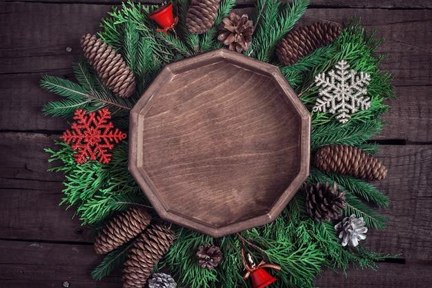 Gezellige kerst achtergrond met natuurlijke decoratie