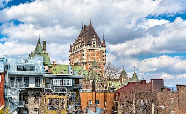 Gezicht op chateau frontenac in quebec city - quebec, canada