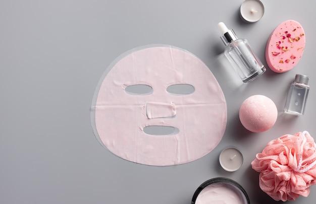 Gezichtsbevochtigend bladmasker en set cosmetica voor huidverzorging