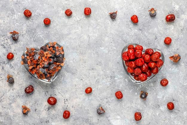 Gezond assortiment droog fruit, bovenaanzicht