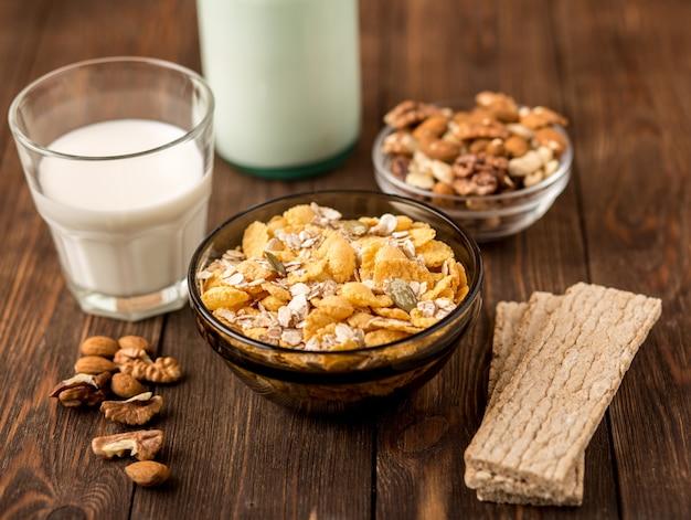 Gezond eten, dieet, afvallen en weeg verlies concept.