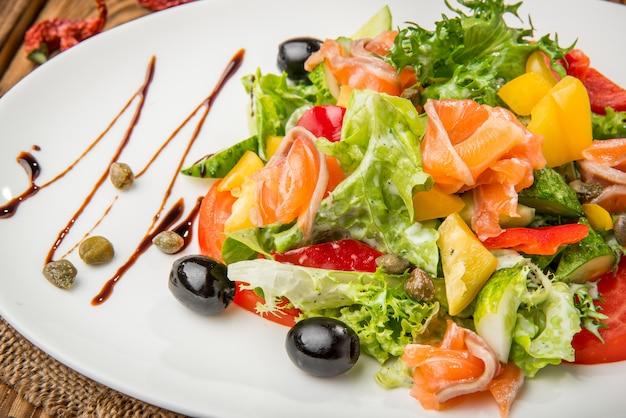 Gezond eten mooi en smakelijk eten op een bord