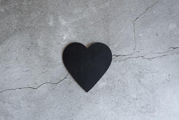 Gezond hart en cardiograaf op blackboard medische abstracte concept