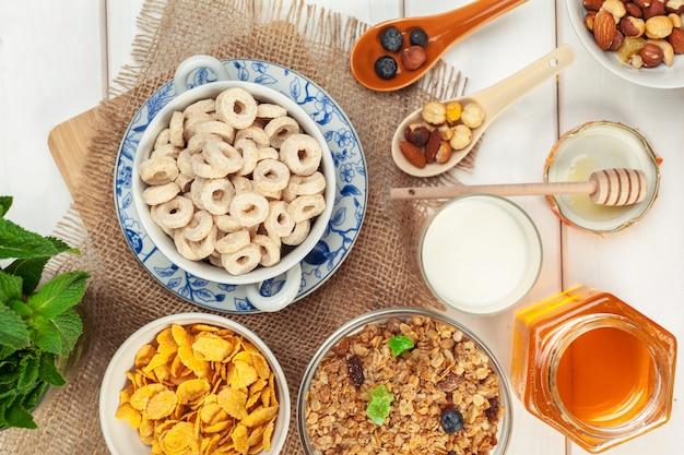 Gezond ontbijt met vlokken