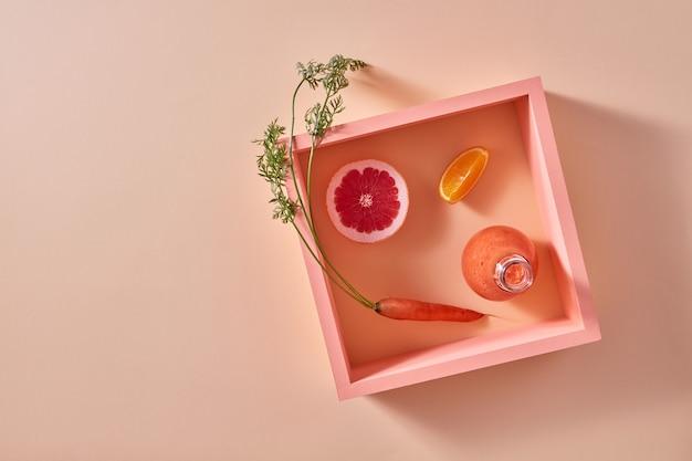 Gezond vegetarisch eten van oranje biologische groenten en fruit