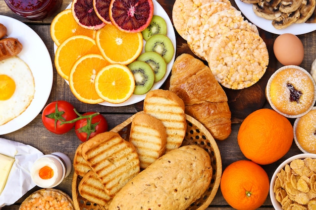 Gezond voedsel op oude houten achtergrond