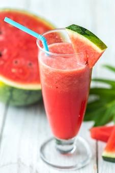 Gezond watermeloen schud zomerrecept