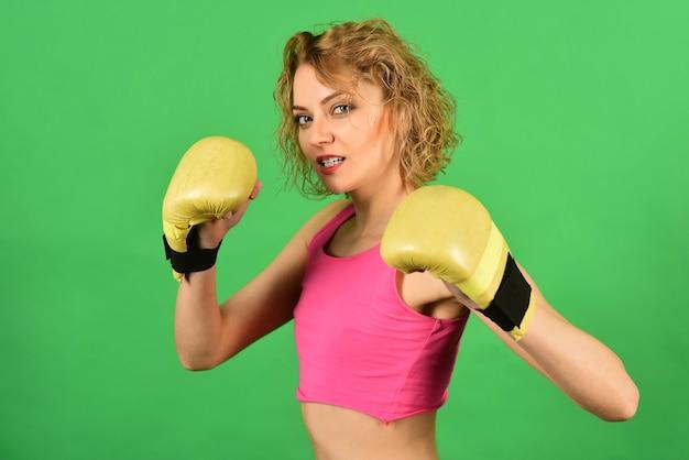 Gezonde levensstijl concept sportiviteit en sterk lichaam sport en fitness kracht en beweging