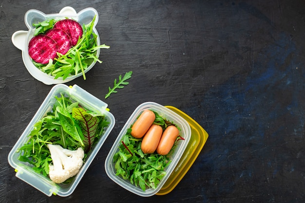 Gezonde maaltijd container wekelijks menu lunchbox portie biologische voeding eten vers
