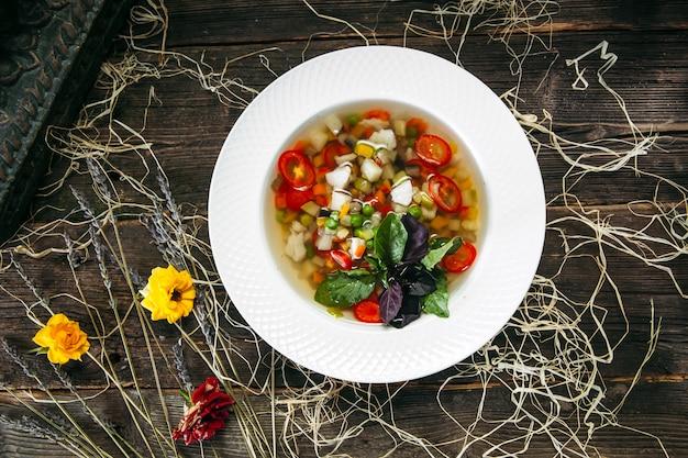 Gezonde natuurlijke biologische plantaardige vegan soep