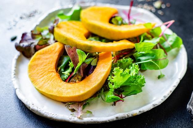 Gezonde pompoensalade sla bladeren biologisch ingrediënt eten