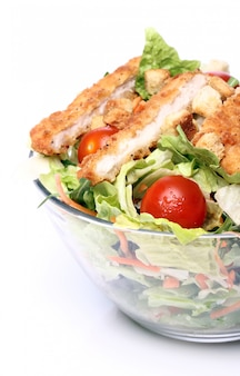 Gezonde salade met kip en groenten
