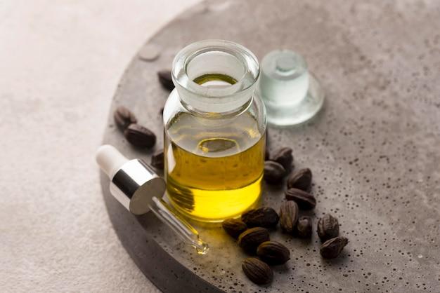 Gezonde samenstelling voor de behandeling van jojoba-olie