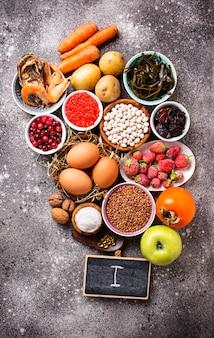 Gezonde voeding met jodium. producten rijk aan i
