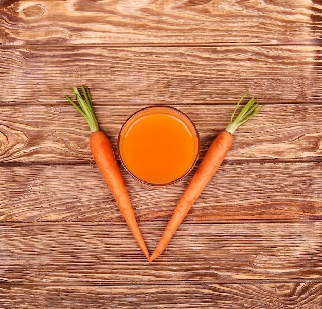 Gezonde voeding - wortelen en wortelen .top view