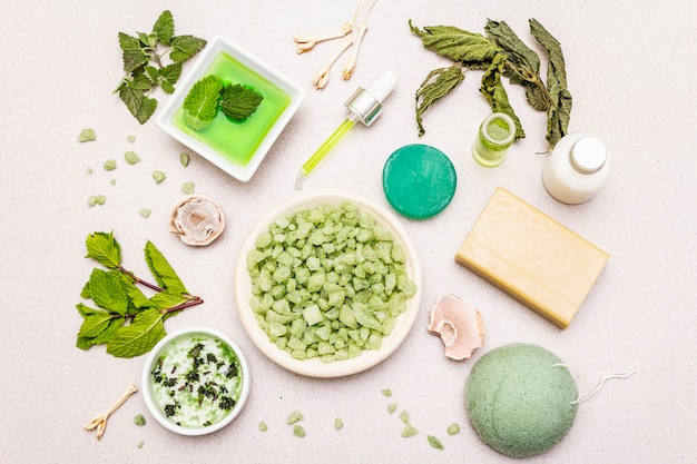 Gezonde zelfzorg. minimalistische organische levensstijl. comfort en natuurlijke apotheek