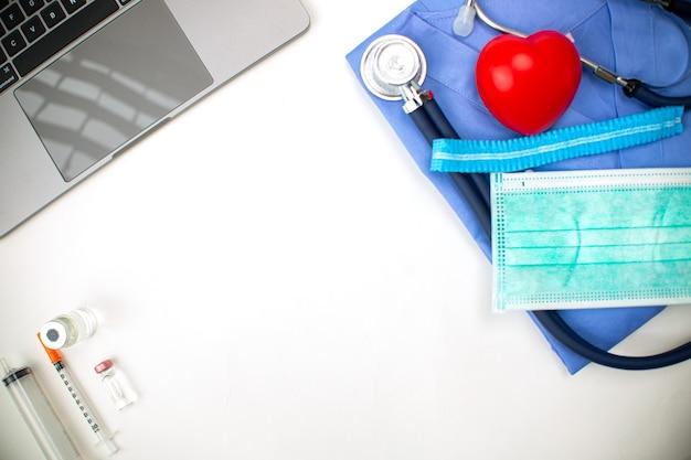 Gezondheidszorg geneeskunde achtergrond kopie ruimte. specialist cardiologie professionele speciale lijst voor uw hart. banner concept. arts gezondheidszorg conceptuele. medische uniforme professional.
