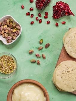 Ghrayaf - algerijnse pannenkoeken, maghreb-keuken.