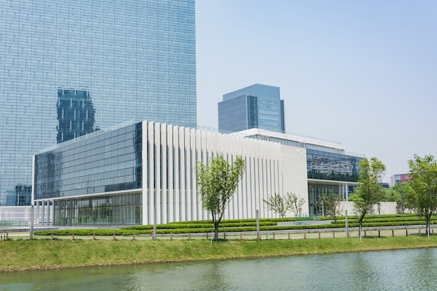 Giant glazen gebouw