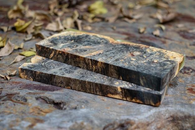 Gieten van epoxyhars stabiliserende burl hout abstracte kunst achtergrond