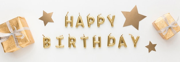 Giften naast gelukkige verjaardag bericht