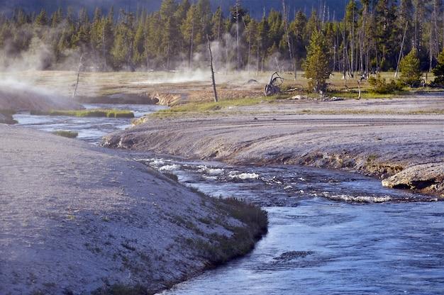 Giftige rivier in yellowstone