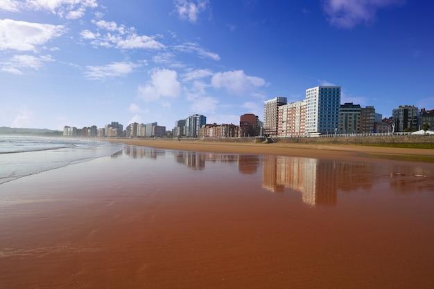 Gijon playa san lorenzo strand asturias spanje