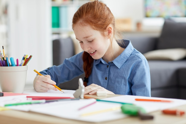 Ginger tiener meisje tekening