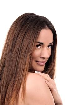 Glamour portret van mooie vrouw op witte achtergrond