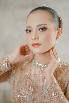 Glamourportret van mooi vrouwenmodel