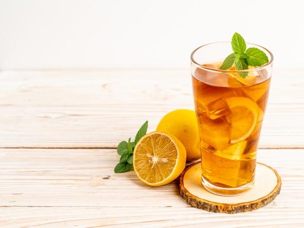 Glas ijs citroenthee