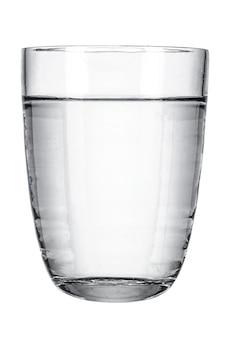 Glas met zoet water op wit