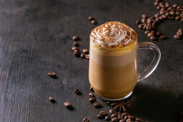 Glas pompoen latte