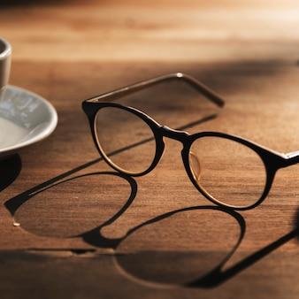 Glazen cup koffiepauze concept