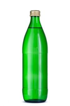 Glazen fles mineraalwater met dop geïsoleerd