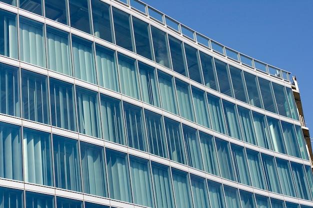 Glazen gebouw