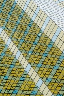 Glazen muur