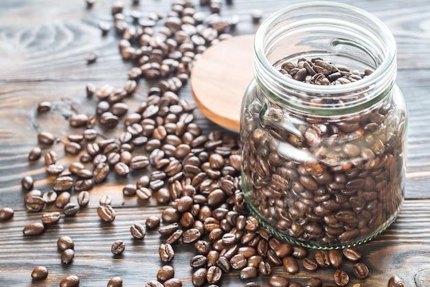 Glazen pot koffiebonen