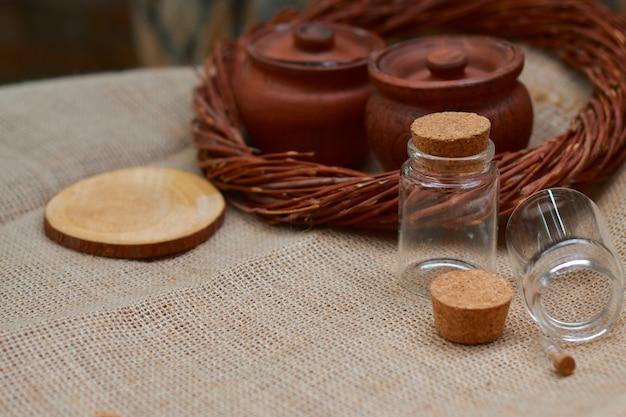Glazen potten voor honing of bijenbrood
