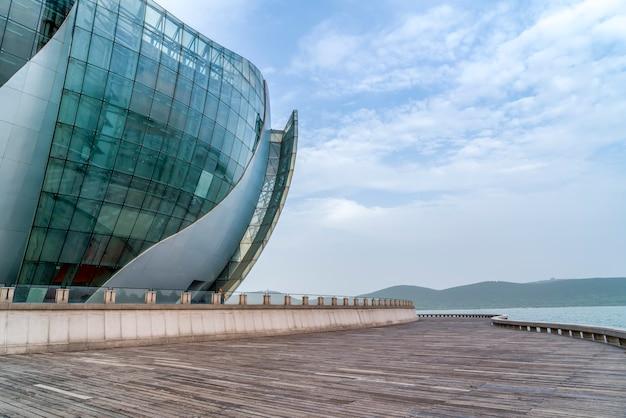 Glazen ramen in moderne architectuur